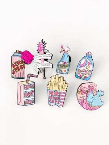 METALL PINS - GRL PWR REPELLENT
